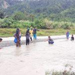 Praktikum Geomorfologi dan Hidrologi di Desa Tibo