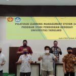 Pelatihan LMS Dosen Pendidikan Geografi